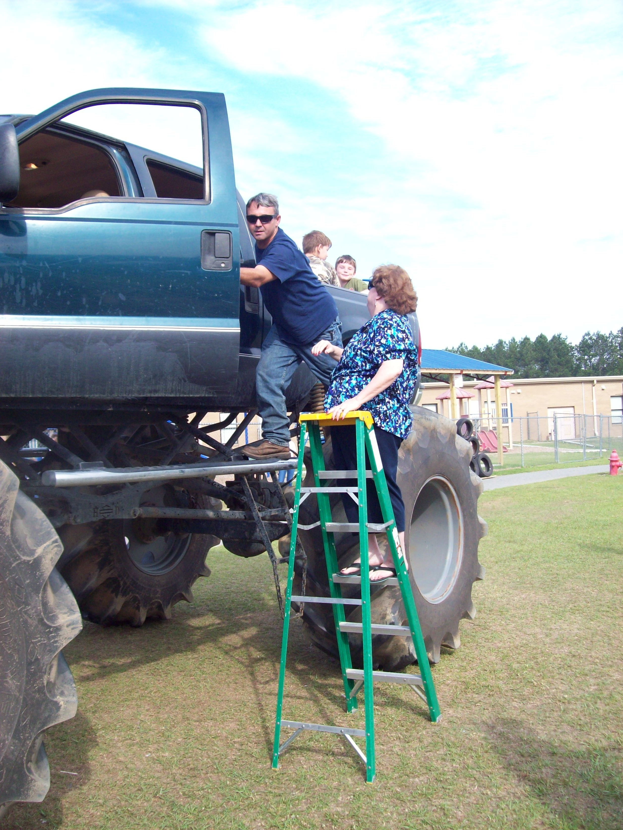 The Monster truck is a lot higher than our ladder! WOW!